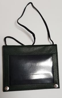 Ausweishülle für Dokumente zum Umhängen • Leder Grün